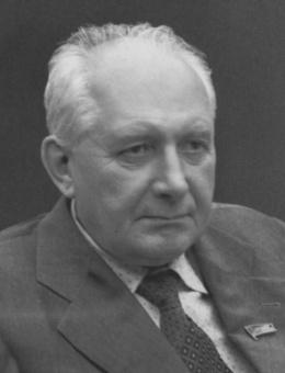 Поляков Виктор Николаевич (03.03.1915 - 01.06.2004).